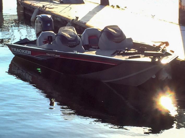 トラッカーボート