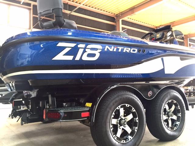 ナイトロボート Z18