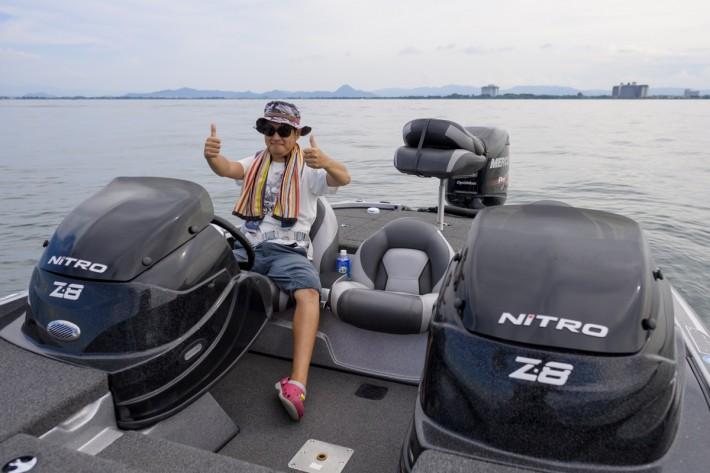 中古バスボート琵琶湖