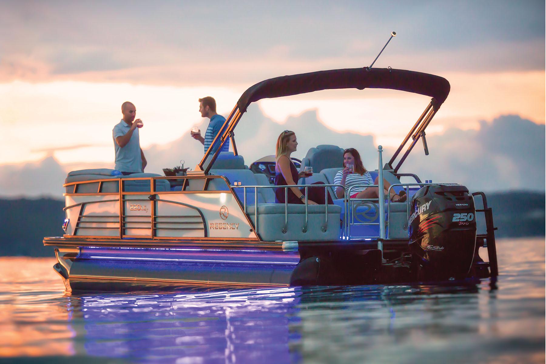 ポンツーンREGENCYボート