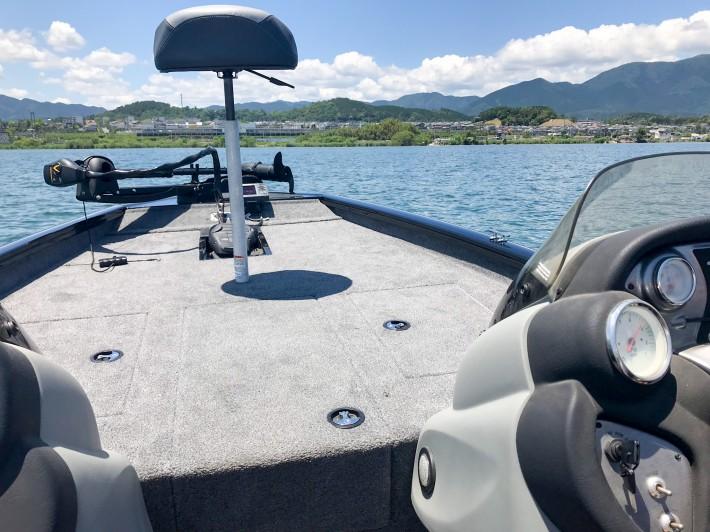 トラッカーボート 大型アルミボート